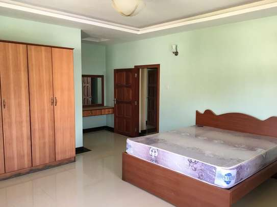 4 bed room house with servant quater for sale at jangwani sea breeze image 2