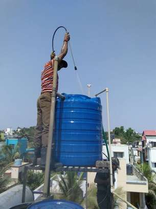 Water tank cleaner image 13