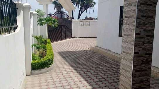 4 BEDROOM HOUSE (MBWENI DAR ES SALAAM) image 6