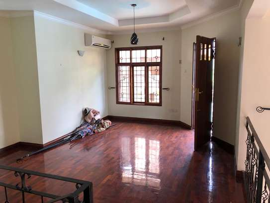 Well-maintained 4 Bedrooms Standalone House in Msasani image 8