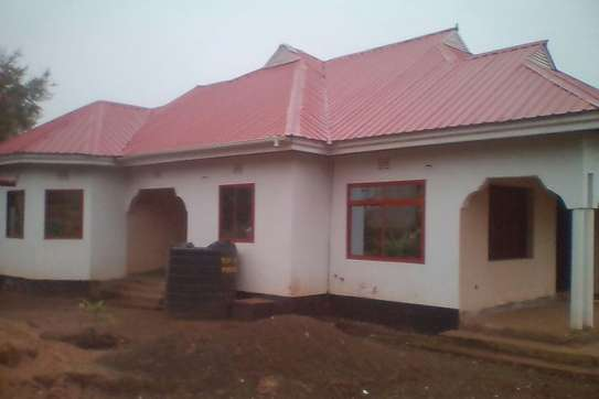 4BEDR.HOUSE FOR RENT AT NJIRO