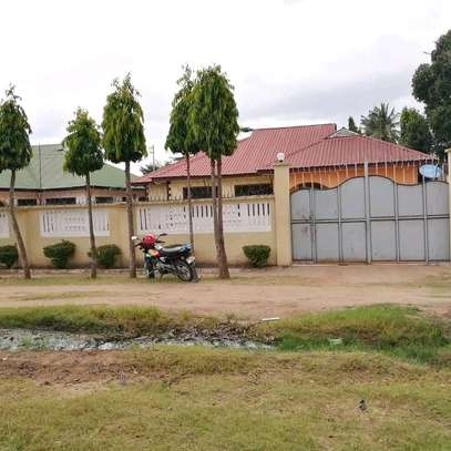 HOUSE FOR RENT AT MBEZI BEACH UP SIDE