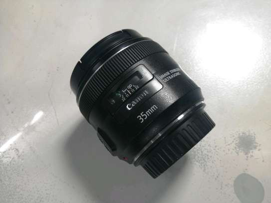 Canon EF 35mm f/2 IS USM Lens -Angle Lens