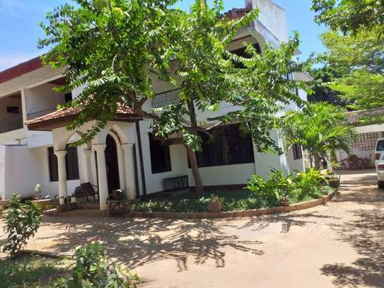 4bed house at mikocheni $1500pm image 1