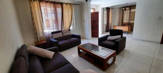 a 4bedrooms villas fully furnished VILLAS in oysterbay walking distance to coco beach is now for rent image 3