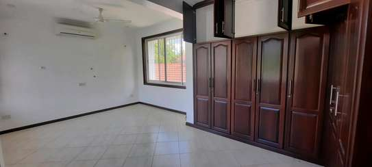 a 5bedrooms BUNGALOW in MASAKI is now available for rent image 8