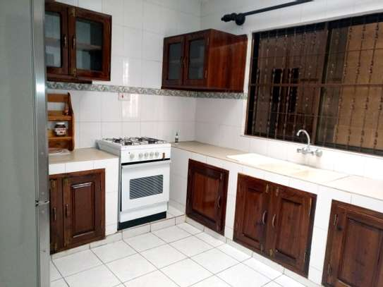 5BEDROOMS SEMI FURNISHED AT NGARAMTONI FOR RENT image 6
