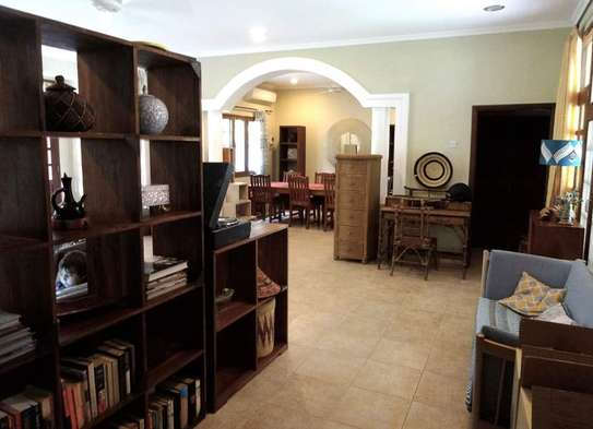 4 Bedrooms Beautiful Home For Rent In Oysterbay image 8