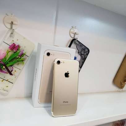 Gold_iPhone 7
