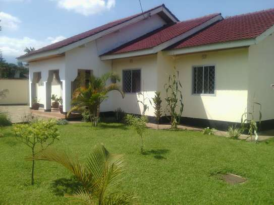 3BEDR HOUSE FOR RENT AT AGM OLORIEN