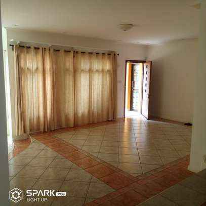 4bdrm house to let in masaki image 3