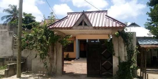 new 3BED HOUSE AT KIGAMBONI KIBADA TSH 50MLnear main rd image 4