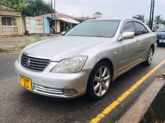2005 Toyota Crown Royal Saloon image 6
