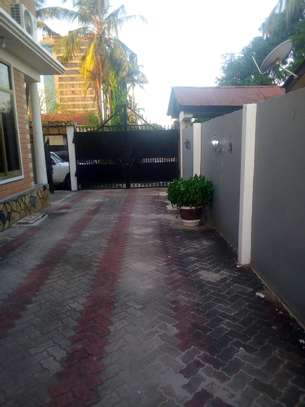 7 bedrooms House/Office to let at MAKUMBUSHO near Millennium Towered image 3