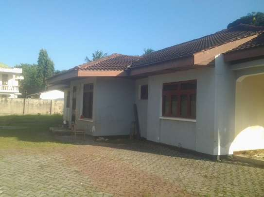 House for rent Mbezi Beach Near Shoppers image 1