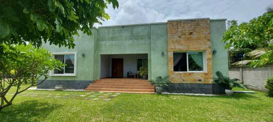 3Bedrooms House Full Furnished For Rent image 1
