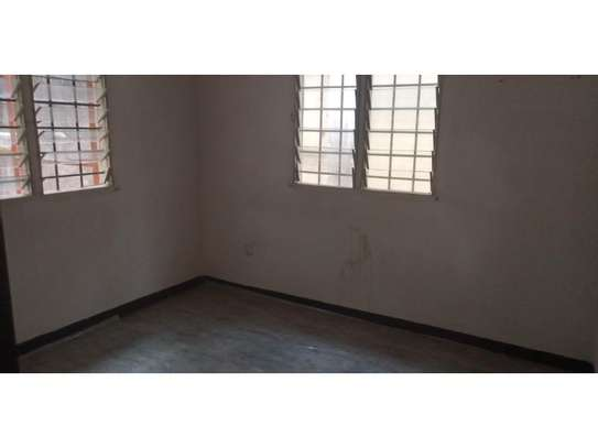 1bed house in compound at mikocheni a uzunguni image 12