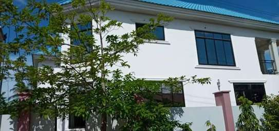 5 bed room house for sale at kigamboni image 4