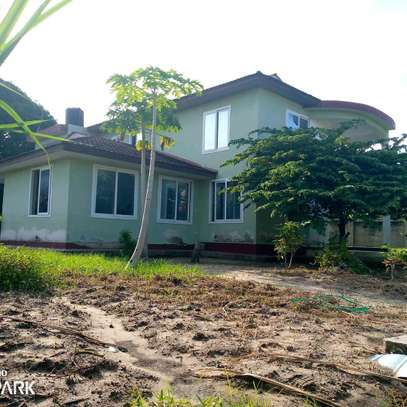 HOUSE FOR RENT BAHARI BEACH image 1