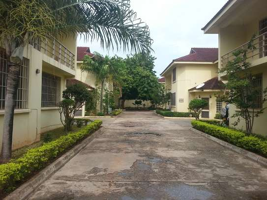 5 Bedrooms House In A Compound of 6 Houses For Rent in Masaki