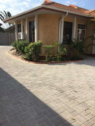 4 Bedroom House For Rent In TEGETA image 5