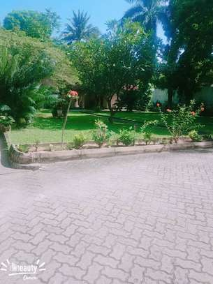 5bed house at mikocheni a $2000pm mzee image 9