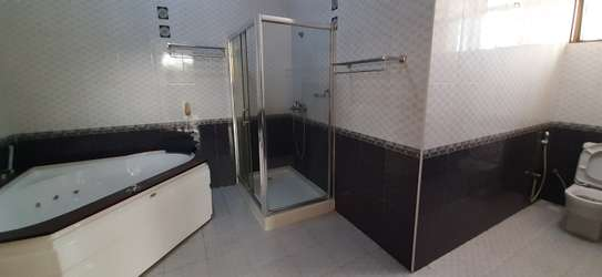 4 Bedrooms House For Rent in Msasani image 10