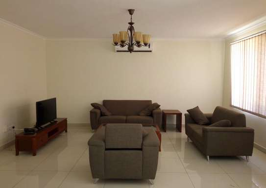 4 Spacious Bedroom Villa House in Oysterbay image 2
