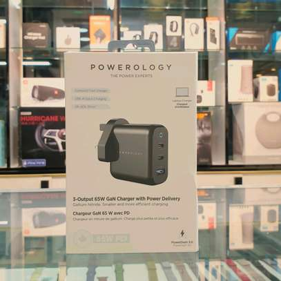 POWEROLOGY 3-PORT 65W GAN CHARGER WITH PD UK - BLACK (2*USB C + 1*USB A) image 1