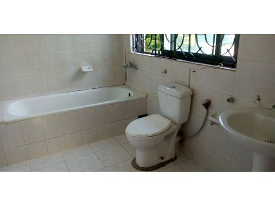 4bed house at oyster bay$1500 image 11