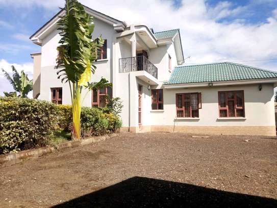 IMMACULATE FIVE  BEDROOM FURNISHED HOUSE FOR RENT IN SAKINA.
