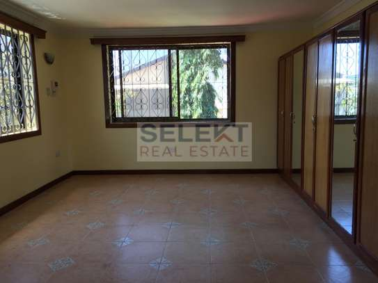4 Bdrm Standalone Spacious House in Masaki image 8