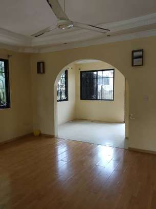 RENT 3 BEDROOMS TABATA KINYEREZI STANDALONE HOUSE FOR LOW PRICE image 3