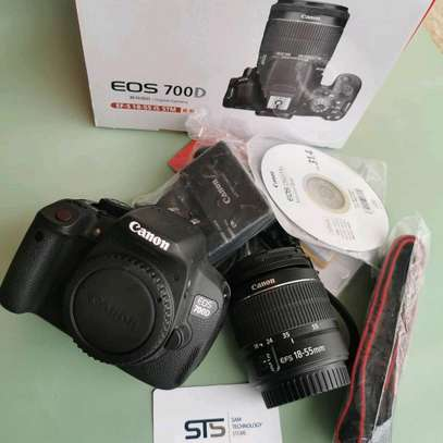 CANON EOS 700D WITH LENS 18-55MM image 2