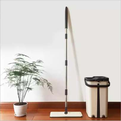 Automatic Squeeze  Scratch Floor Mop with 2PCS rag Cloth for Room,window,ceiling, wall etc. image 2
