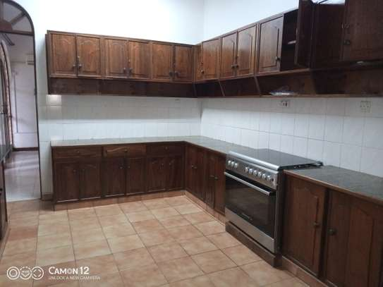 5bdrm house to let in masaki image 10