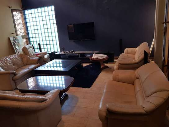 Nice 6 bedrooms Bungalow for rent at Upanga