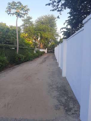 4 bed room house all master for rent at masaki image 7