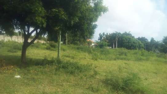 3 actre plot along main rd ideal for  hotel or apartment with sea view $1m image 2