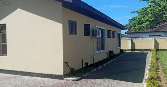 four bedrooms house at mbezi beach