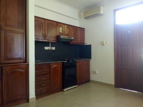3bed house villa in the compound at oystabay $1500 image 3