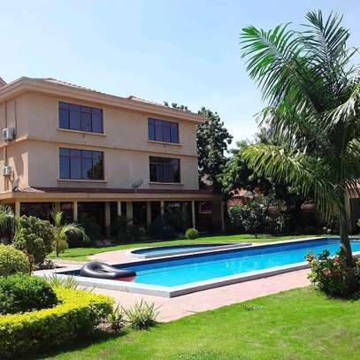 3BEDROOMS FULLYFURNISHED VILLA APARTMENTS 4RENT  AT MBEZI BEACH image 1