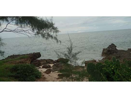 amaizing beach house for rent at ras kilomoni $1200pm image 10
