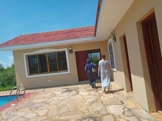 4 bed room house sea view for rent at oyster bay toure drive image 12