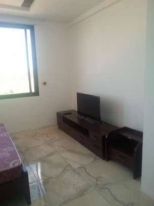 5 Bedrooms Villa For Rent In Oysterbay image 11