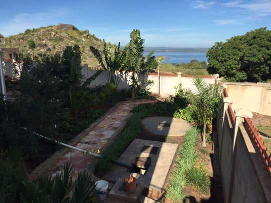 4 Bedrooms Scandinavian Style House For Rent in Mwanza image 15