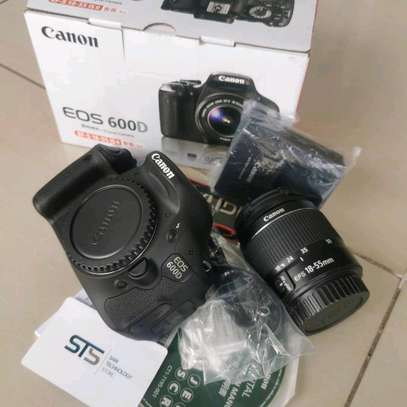 CANON EOS 600D WITH LENS 18-55MM image 1