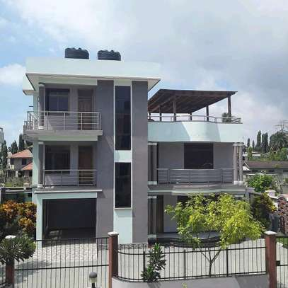 a 4bedrooms VILLAS in mbezi beach is now for rent image 1