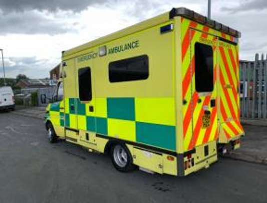 2005 Mercedes-Benz SPRINTER 416 AMBULANCE USD 12500 UPTO DAR PORT