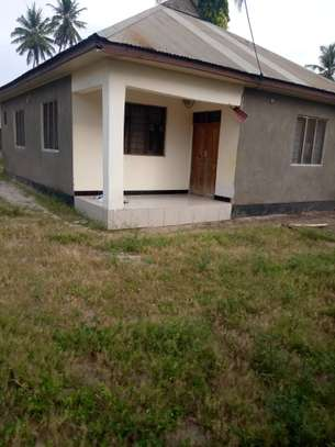 3 bed room house ,and one bed room master for sale at boko basiaya image 1